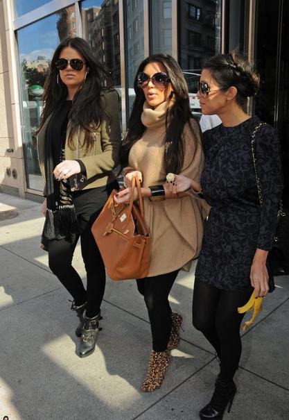kim-kardashian-with-gold-birkin